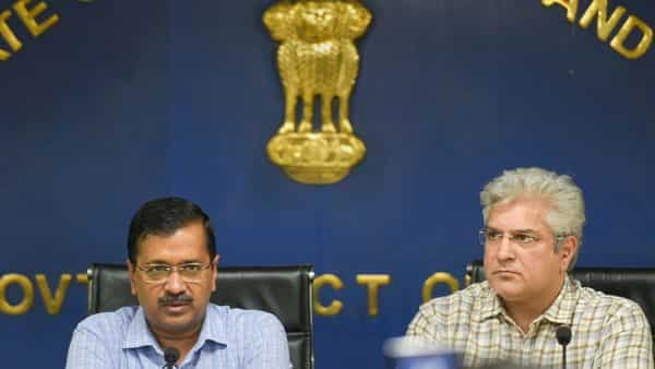 Delhi Chief Minister Arvind Kejriwal with Delhi Transport Minister Kailash Gahlot during a press conference in New Delhi (Photo: PTI)