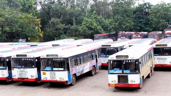 Ignoring an ultimatum given by the chief minister to join back work by 5 November, only 400 TSRTC employees have resumed work. (Photo: ANI)
