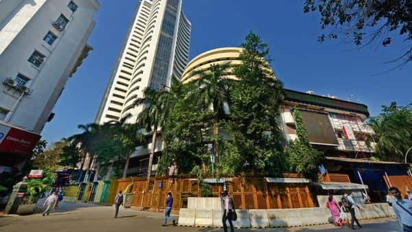 Sensex rose 70 points to finish at 40,356