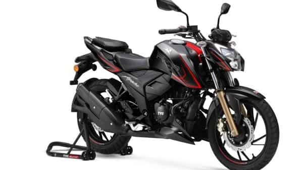 TVS Apache RTR 200 4V is powered by 197.75cc single-cylinder, four-stroke, four-valve, oil-cooled engine motor. TVS Motors