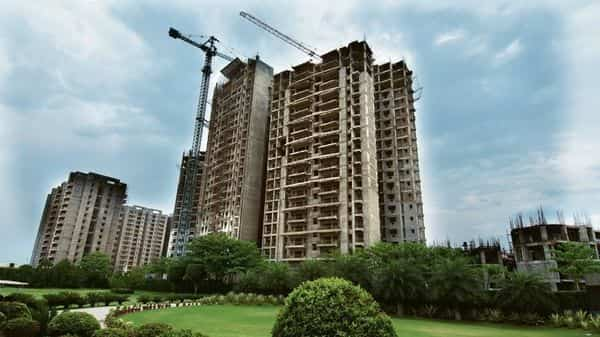 The govt recently announced setting up of  ₹25,000 crore alternative investment fund to revive realty sector after a survey showed that around 4.58 lakh housing units were stuck in India (Photo: Ramesh Pathania/Mint)