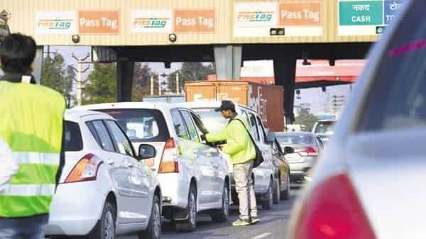 After you have purchased the FASTag, you need to activate it and then recharge it for using it at toll plazas. (Ramesh Pathania/Mint)