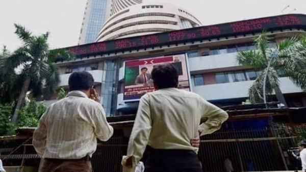 Sensex falls over 300 points, TCS, RIL weigh - Livemint thumbnail