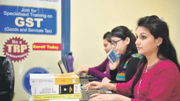 Government seeks suggestions on new GST returns