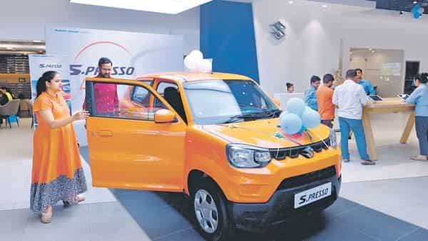 Brisk demand for XL6 and S-Presso is one of the reasons behind Maruti's decision to increase its output. (Ramesh Pathania/Mint)