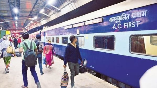 The notification of the revised menu and tariff of Standard Meals for Express/Mail trains sought clarification regarding applicability of the revised menu and tariff of standard meals on Static Units like Refreshment Rooms, Jan Ahaars etc. (Pradeep Gaur/Mint)
