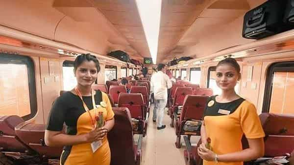 Passengers travelling in Tejas Express will get a fair idea about the special and popular products of the districts. (@PiyushGoyal))