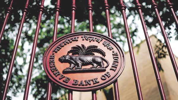 RBI tells banks to cap stake in insurance companies at 30% - Livemint thumbnail