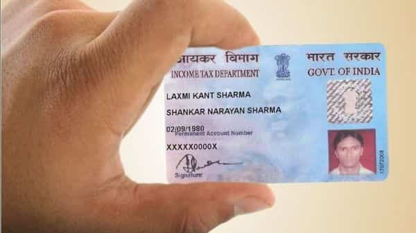 Aadhaar card can be used in lieu of PAN card by both those who have PAN card and also those who do not have it. (Income Tax department)