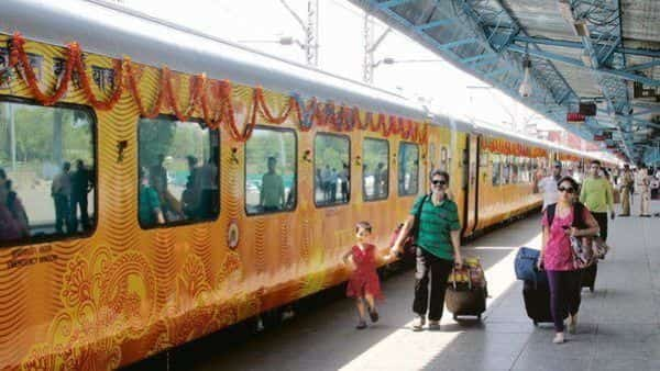 For the first time, IRCTC is offering a free insurance of  ₹25 lakh to all the passengers (HT)