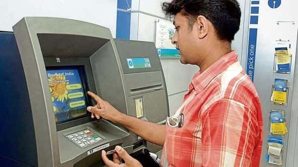According to the RBI mandate, banks are allowed to charge customers for more than five transactions made at ATMs in a month (Photo: Bloomberg)