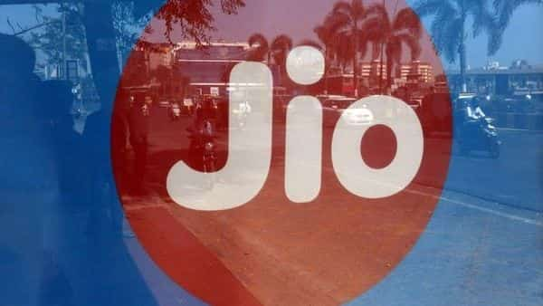 Reliance Jio had placed  ₹4,700-crore bids for mobile tower and fibre assets of Reliance Infratel (Photo: Reuters)