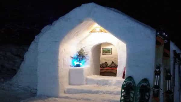 Igloo owners of Manali say it is difficult to maintain the stay as it has to be maintained according to the temperature. (Keylinga.com)