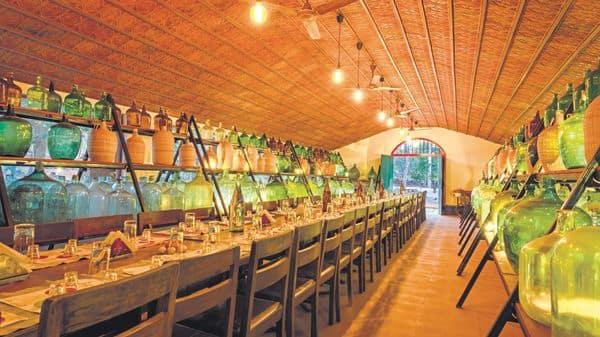 The 'feni' cellar with 'garrafões'