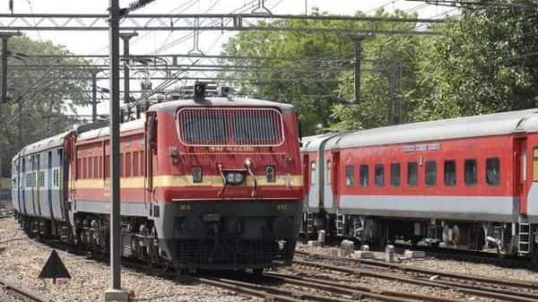 Railway ministry expects to buy about 1.5 million tons of tracks in the year ending March