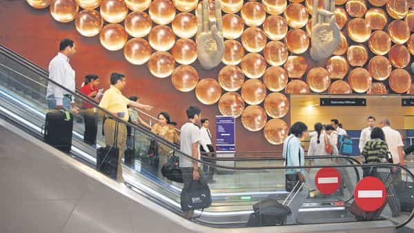 Govt may cap airport contracts at two per firm