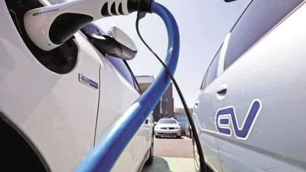 Mass adoption of electric cars in India will not happen unless the price gap of electric and ICE vehicles is brought down: Expert