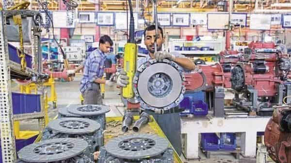The IIP growth during April-December period of the current fiscal decelerated to 0.5% from 4.7% expansion in the same period of 2018-19 (Photo: Mint)
