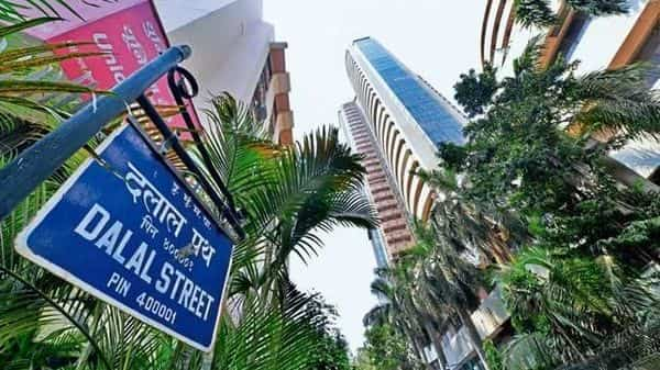 HDFC Bank and HDFC were the only ones in the top-10 list to witness a drop in their market capitalisation for the week ended Friday (Photo: Mint )