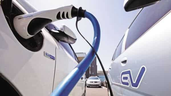 Government has been pushing for clean energy vehicles. (Photo:Mint)