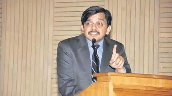 Delhi high court judge S. Muralidhar has been transferred to the Punjab and Haryana high court. He had expressed his 'anguish' on Wednesday over Delhi Police's failure to lodge FIRs against hate speech.ht