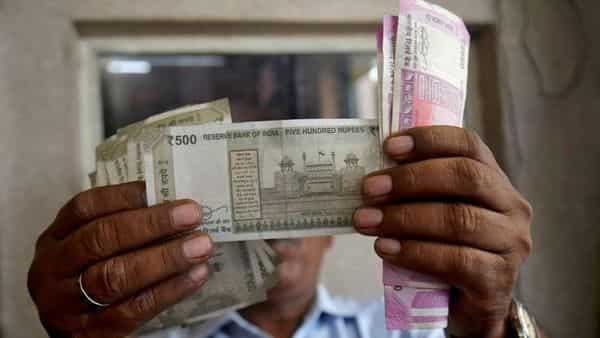 The one-month offshore non-deliverable forward rate has signalled that the rupee will fall below 73 to a dollar by end of March (Photo: Reuters)