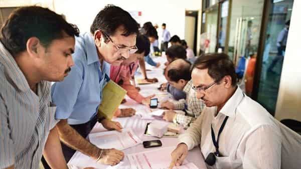 Resident shareholders:Resident individual taxpayers falling under the highest slab stand to forgo more tax on the dividends now. (Photo: Pradeep Gaur/Mint)
