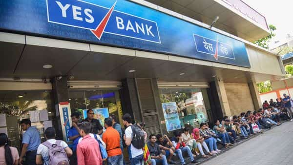Yes Bank customers scramble for cash at branches as most ATMs run dry thumbnail
