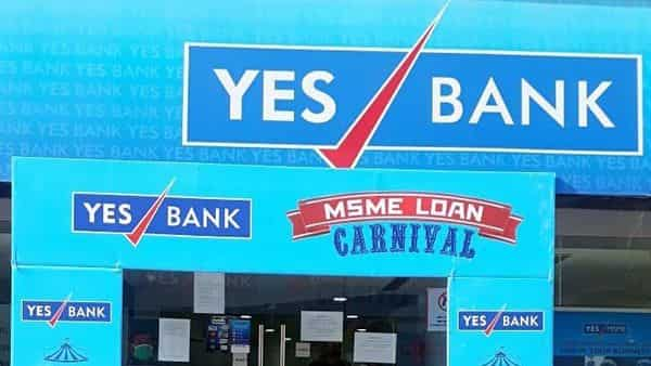 Yes Bank resumes its service at Hazratganj branch, in Lucknow. (ANI )