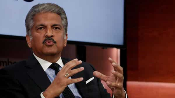 Anand Mahindra offers to make ventilators as Covid 19 infections spike thumbnail