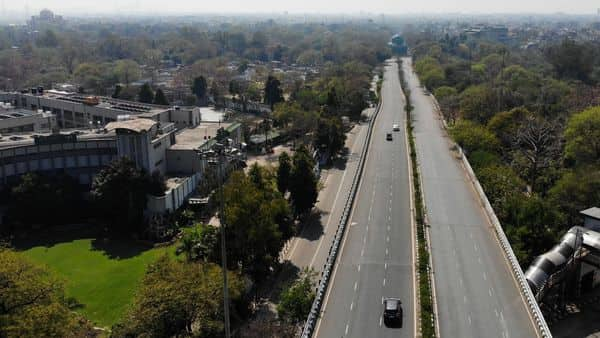 This aerial photo taken on March 25, 2020, shows deserted road during the first day of a 21-day government-imposed nationwide lockdown as a preventive measure against the COVID-19 coronavirus in New Delhi. (AFP)