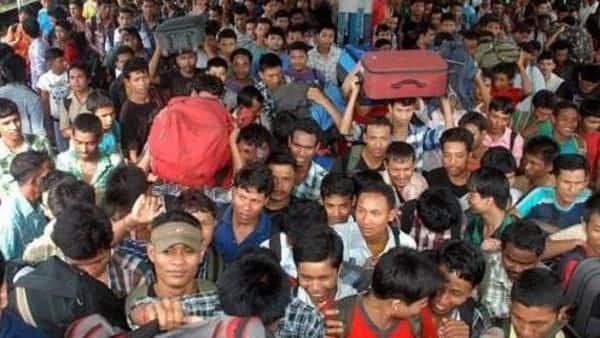 A file photo of 2012 when northeast migrants fled Bengaluru. (Photo: PTI)