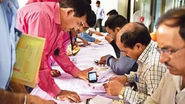 The move is set to benefit around 1.4 million individual taxpayers.  (Photo: Pradeep Gaur/Mint)