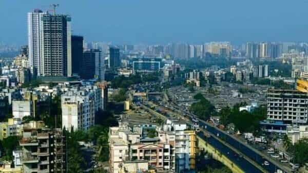 3,656 units were launched in a price range of  ₹5-7 crore, and only 1,631 flats have been sold so far (Mint)