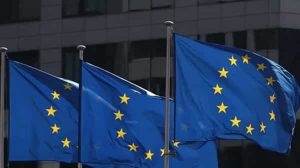FILE PHOTO: European Union flags fly outside the European Commission headquarters in Brussels, Belgium (Photo: Reuters)