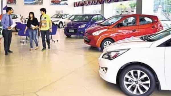 Dealers have been protesting inventory dumping by automakers. Photo: Pradeep Gaur/Mint