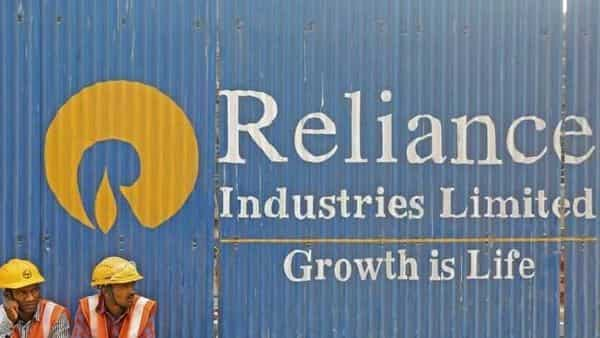 Reliance Industries is raising funds at a breakneck pace as it attempts to cut its debt and secure its capital needs amid a sharp downturn in the global economy.  (Photo: Reuters)