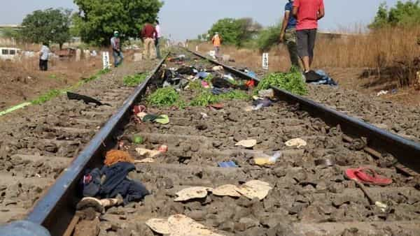 The belongings of victims lie scattered on the railway track after a train ran over migrant workers sleeping on the track in Aurangabad district in the western state of Maharashtra, India. (Photo: Reuters)