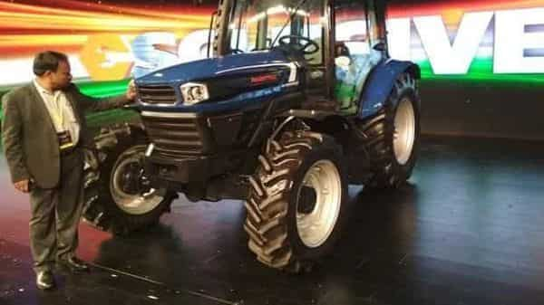 File Photo: Analysts and industry reckon that the tractor and farm equipment sales dip will be least in FY21 among all automotive segments in India:  (Pradeep Gaur/Mint)