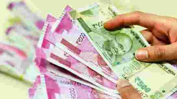 Analysts believe that bad loan ratios will worsen in the coming two quarters for all banks (Photo: Hemant Mishra/Mint)