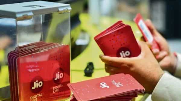 Reliance plans to list Jio Platforms abroad