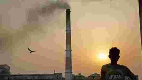 A file photo of the NTPC Badarpur coal-fired power plant. (Photo: Bloomberg)