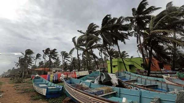 IMD has warned that a low-pressure area, which is building on the western coast in the Arabian Sea, will develop into a 'cyclonic storm'. (Photo: Mint)