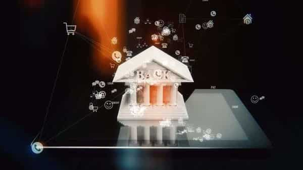 Before you opt for a neo-bank, assess whether the solution it is offering will be useful for you or not (Photo: iStock)