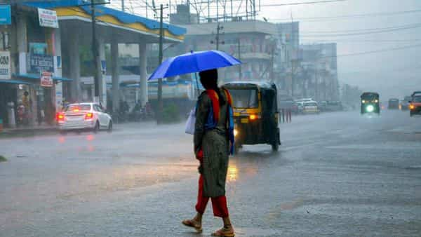 Heavy rains are forecast over Kerala for next few days, while the monsoon will likely arrive in Mumbai around 11 June. (Photo: PTI)