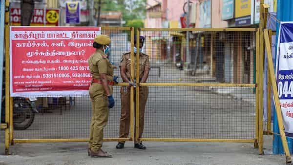 Police sets up barricades on a road after the government imposed a total lockdown, due to the rise in COVID-19 cases, in Chennai (PTI)