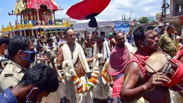 Priests and devotees celebrate after Supreme Court indicated it would allow the annual Rath Yatra, scheduled to start from tomorrow, in Puri (PTI)