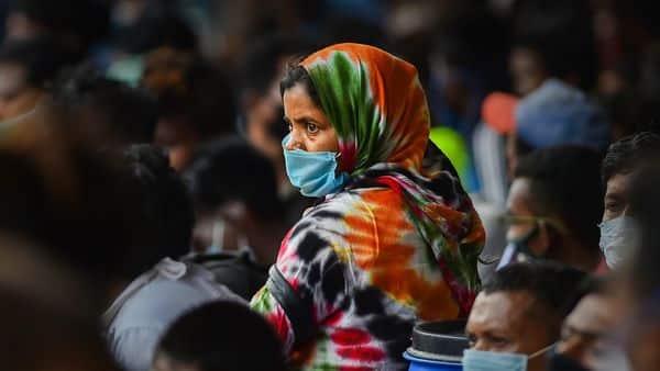 Migrants from Bihar and UP wait to board a Shramik train at Chennai (PTI)