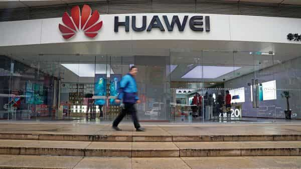 UK sets to end use of Huawei technology in 5G network
