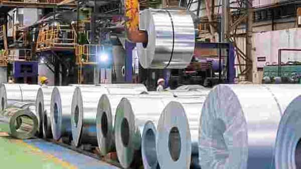 India's steel production in the first quarter fell 53% year-on-year. Photo: Bloomberg
